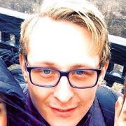 Обзвон базы клиентов, Владислав, 32 года