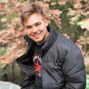 Гострайтер, Денис, 24 года