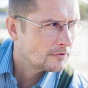 Юристы у метро Тропарево, Антон, 47 лет