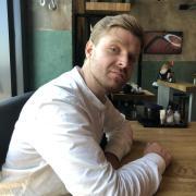 Поклейка флизелиновых обоев, Антон, 30 лет