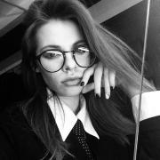Лэшмейкеры, Оля, 27 лет