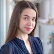 Адвокаты у метро Кропоткинская, Полина, 24 года